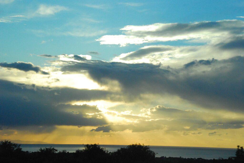 Lever de soleil sur la côte est de la Sicile