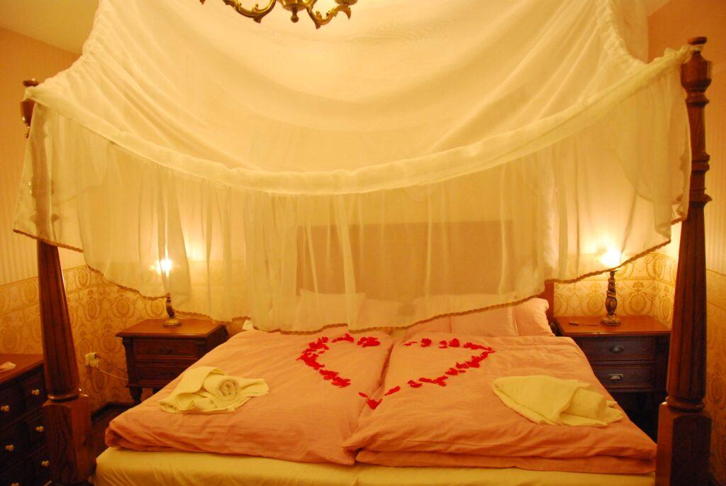 Chambre d'amoureux à Kunin