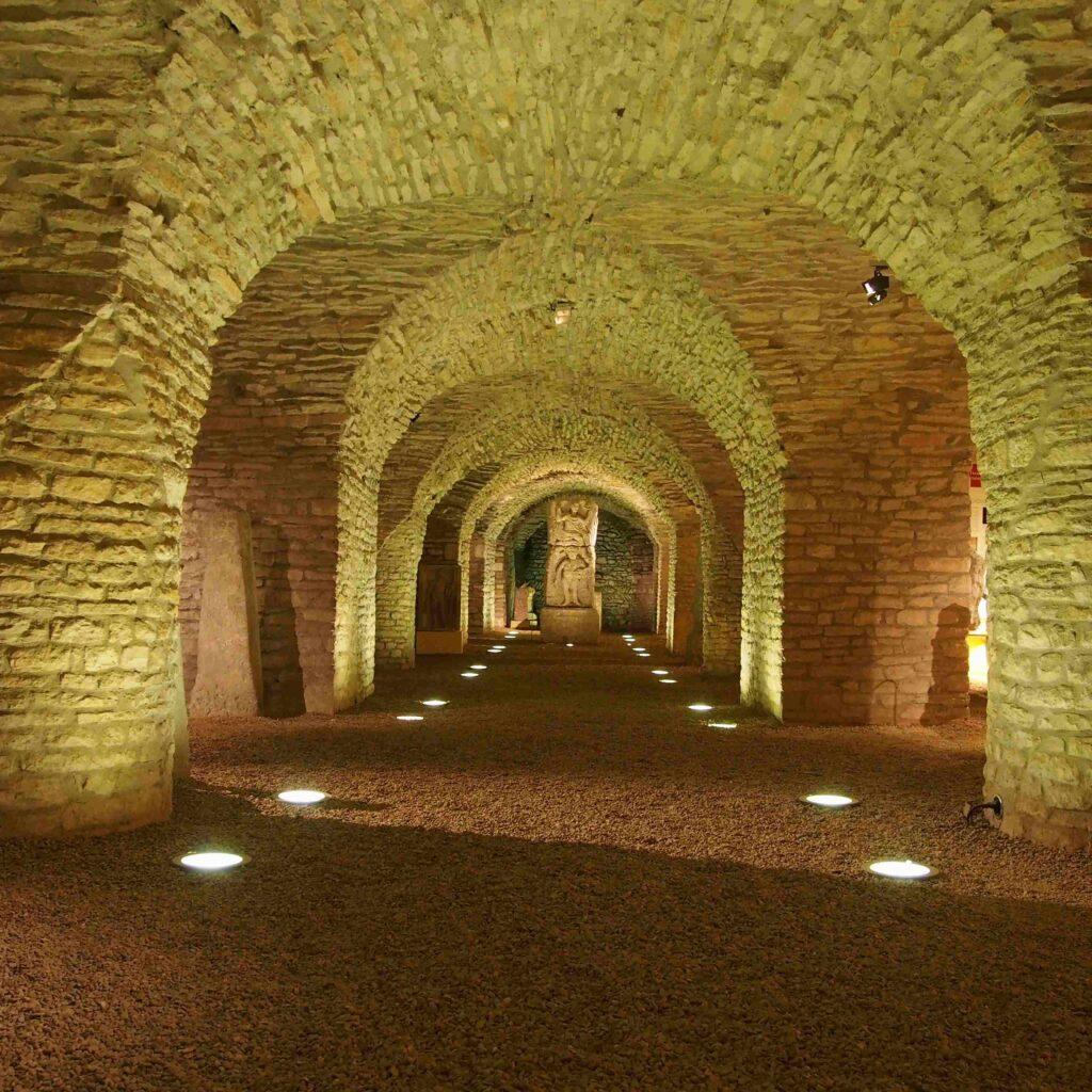 Cave du musée archéologique