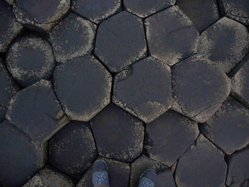 Marcher sur la Chaussée des Géants
