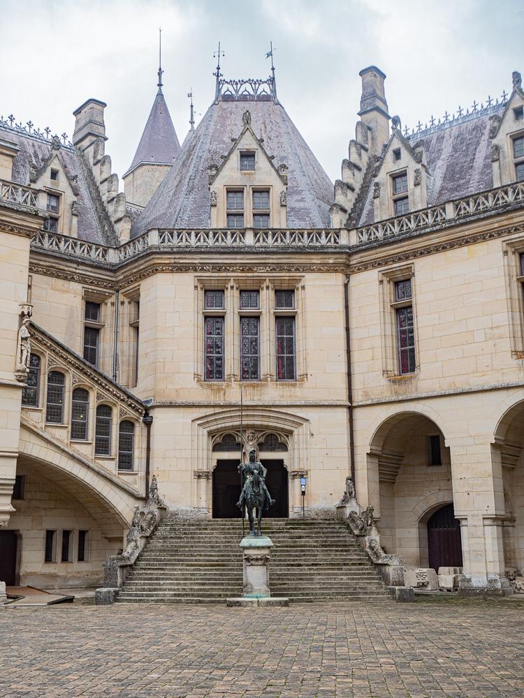 L'entrée intérieure du château de Pierrefonds