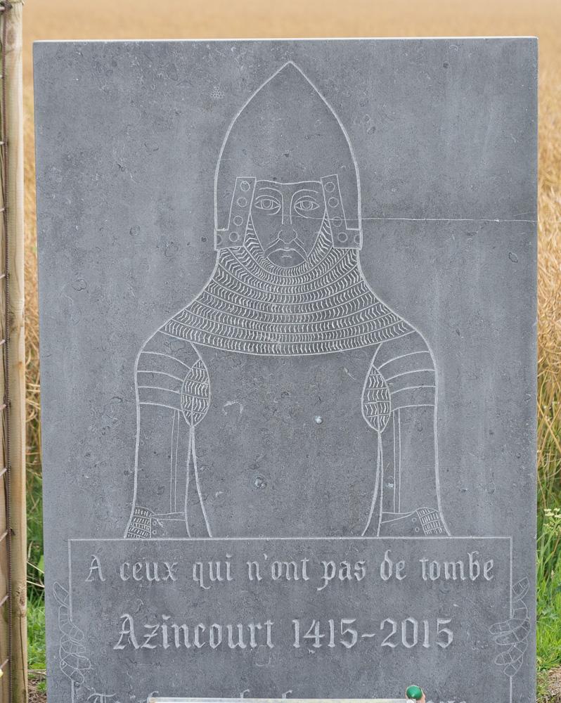 Une stèle à Azincourt